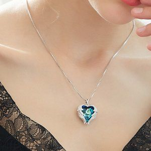 Heart of the sea, crystal necklace of angel wings